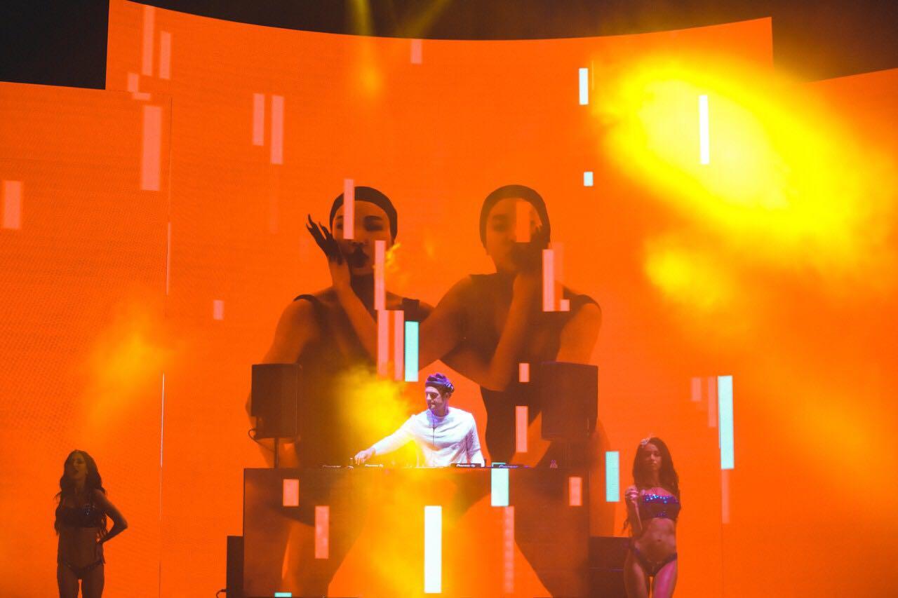 DJ Fenix live in Odessa at Club Ibiza